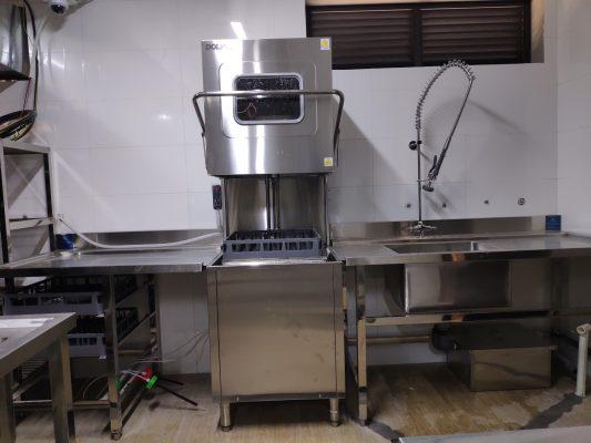 máy rửa bát công nghiệp cho nhà hàng